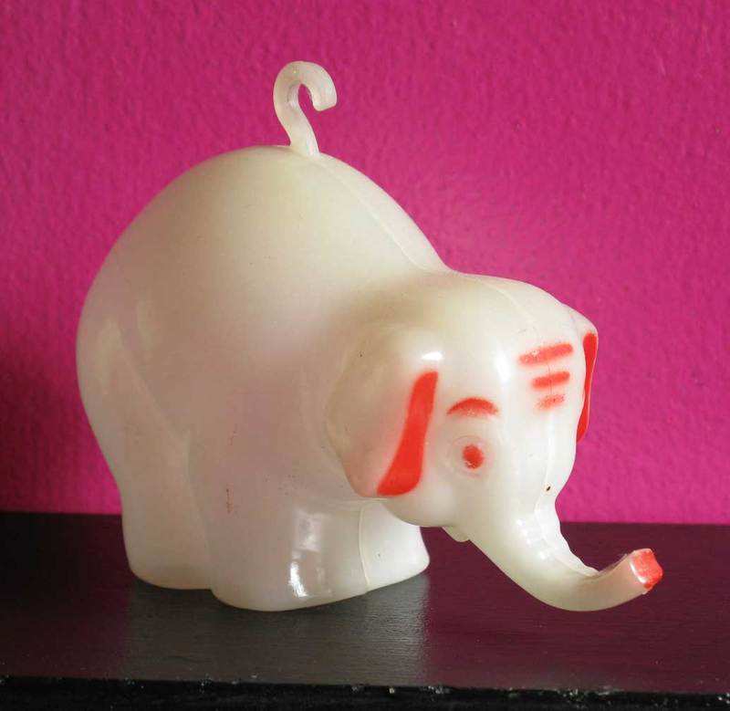 Glowindarkelephant